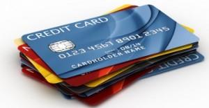 Kredittkort med reiseforsikring, rabatter, cashback og andre gode tilbud